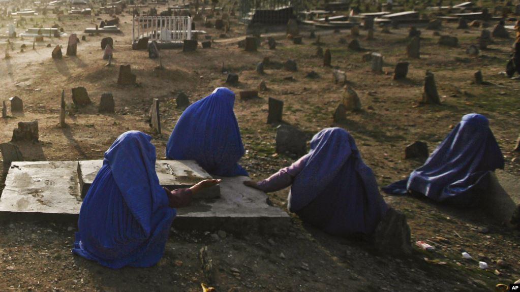 Photo of شمار زنان بیوه در افغانستان در حدود ۶۰۰ هزار است