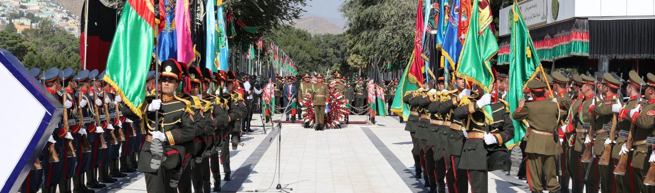 Photo of ادای احترام رئیس جمهور به شهدای راه استقلال کشور