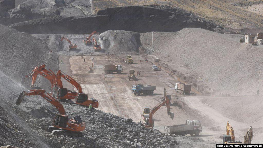 Photo of بند آبگردان «پاشدان» هرات تا دو سال ساخته میشود