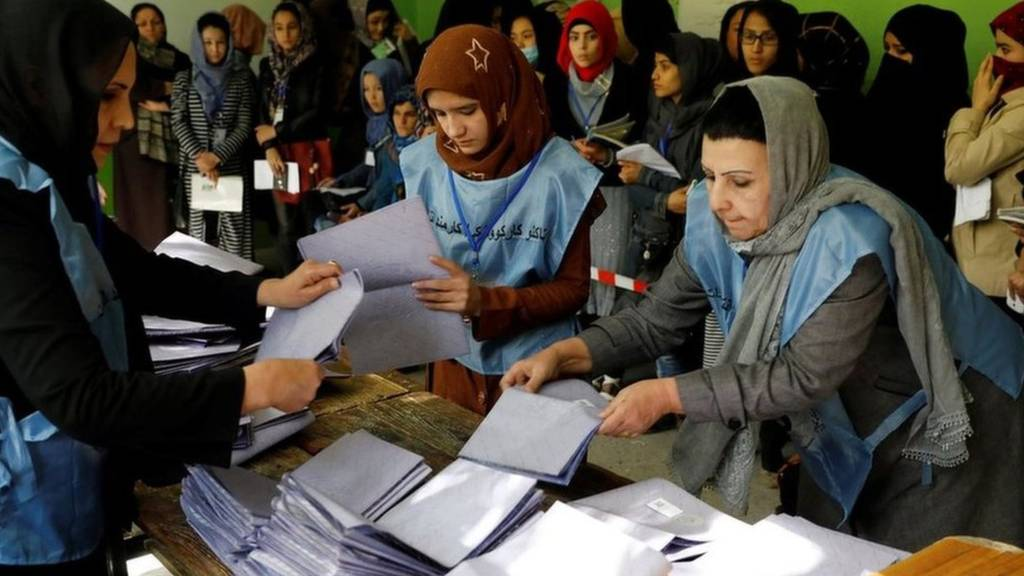 Photo of حضور گسترده شهروندان هرات در مراکز رأیدهی