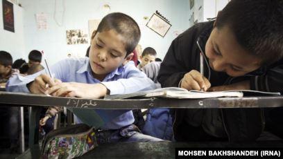 Photo of آموزش به زبان مادری در غزنی و چالشهای موجود
