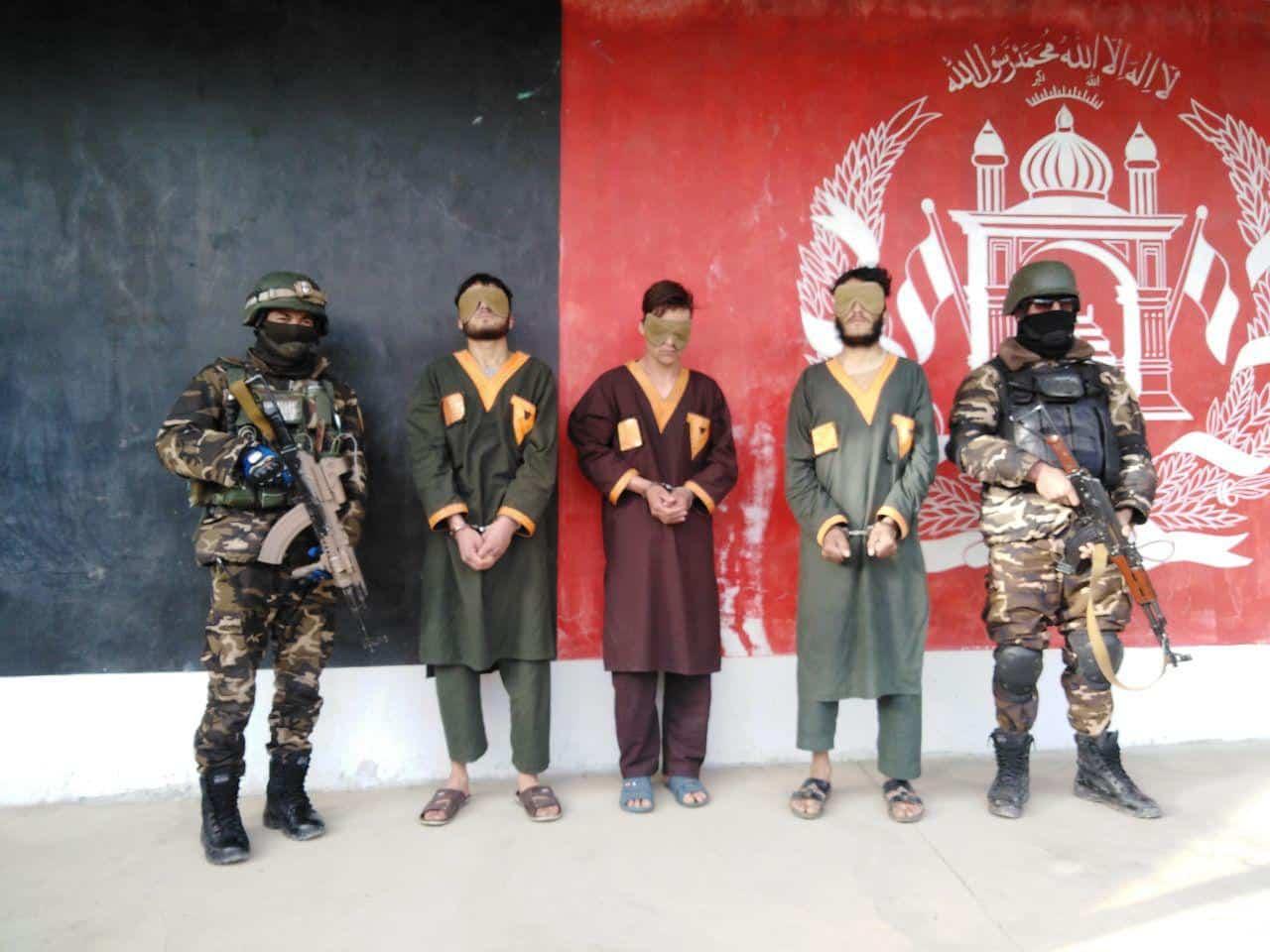 Photo of بازداشت ۳ تن به اتهام ترور کامندان دولتی در غزنی