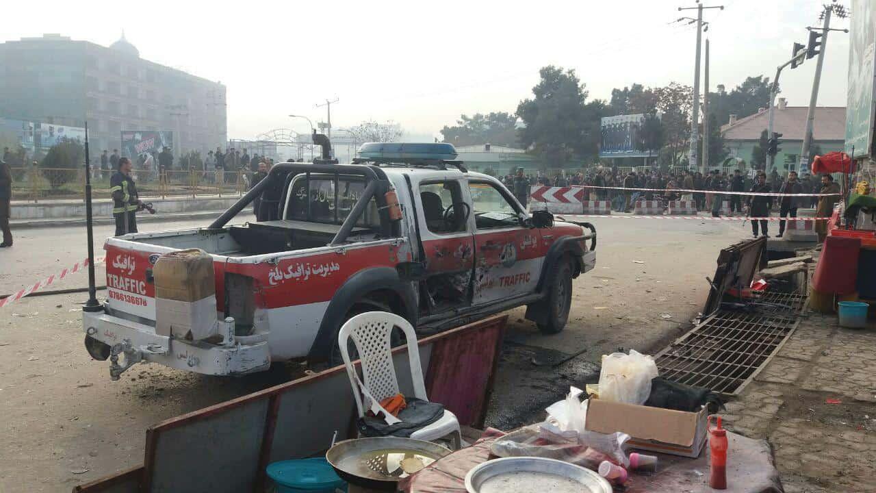 Photo of شهروندان بلخ حمله انتحاری در چهارراهی صدیقیار شهر مزارشریف را محکوم کردند