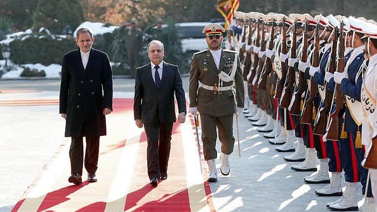 Photo of سفر نخست وزیر سوریه به تهران: ایران از دمشق برای فشار بر آمریکا استفاده میکند؟