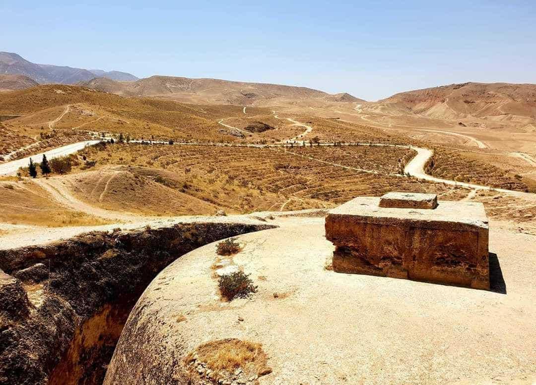 Photo of قرارداد ترمیم بنای باستانی «تخت رستم» امضا شد